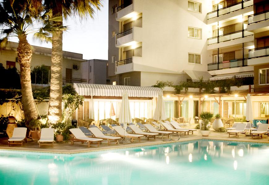 rhodes-plaza-hotel